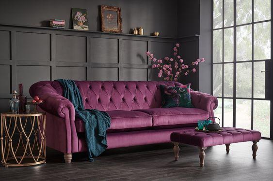 Mor Renkte Salon Dekorasyonu 15