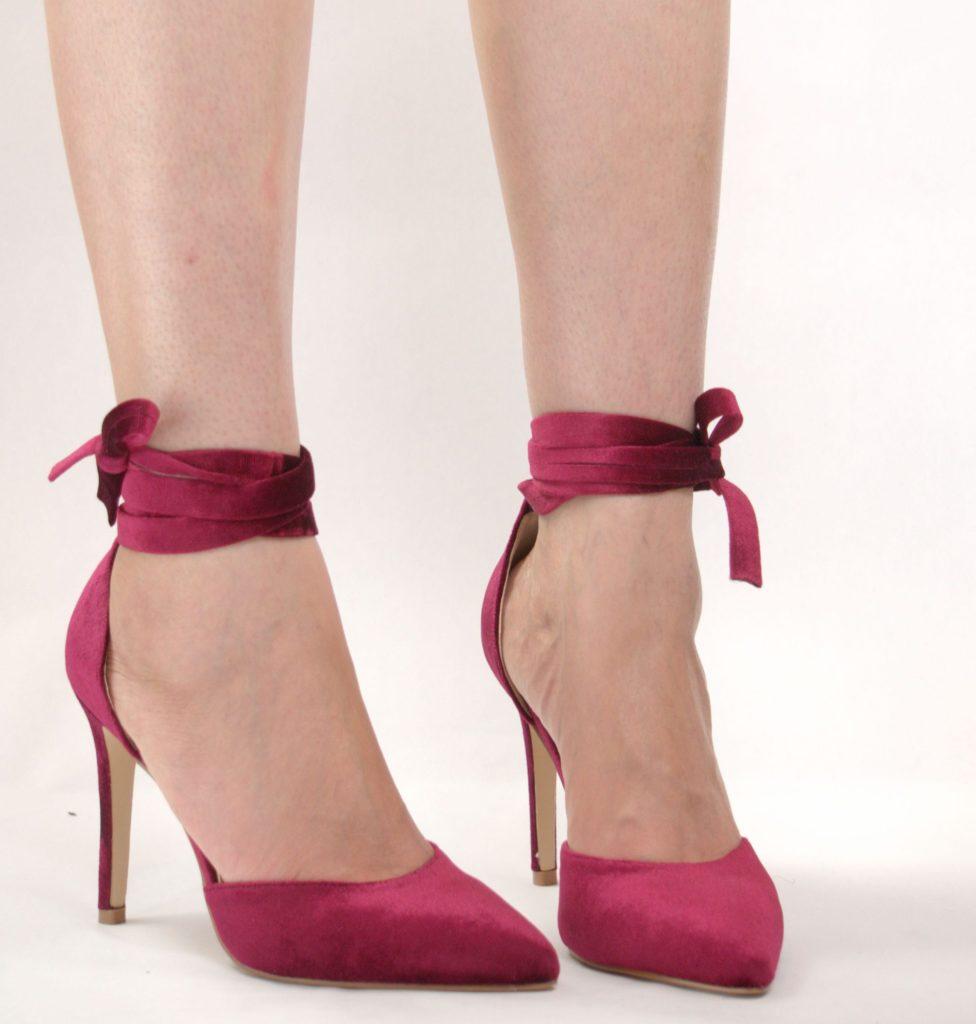 kadife topuklu ayakkabı 1