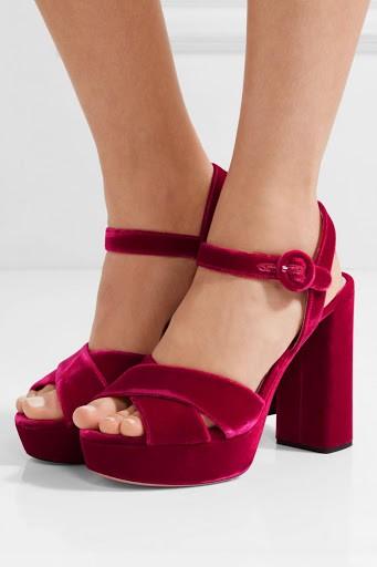kadife topuklu ayakkabı 12