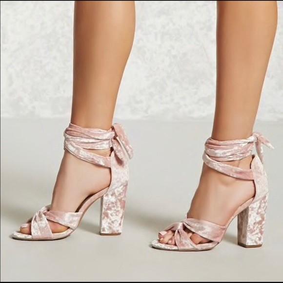 kadife topuklu ayakkabı 13