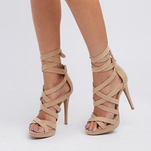 kadife topuklu ayakkabı 16