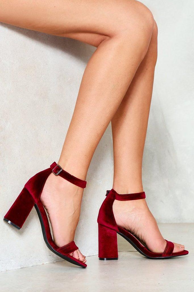 kadife topuklu ayakkabı 18