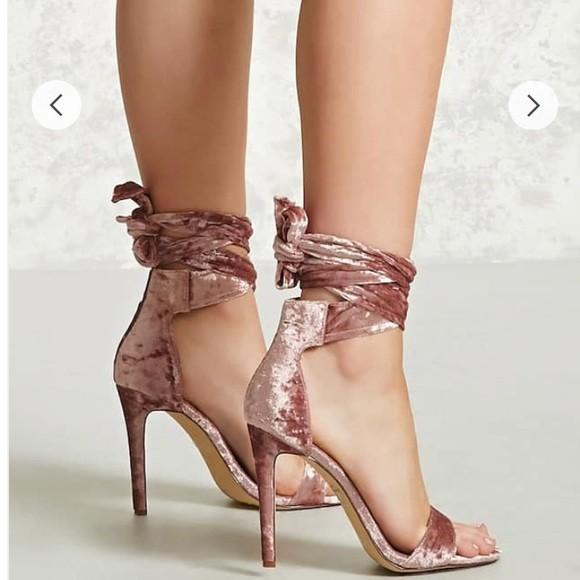 kadife topuklu ayakkabı 7