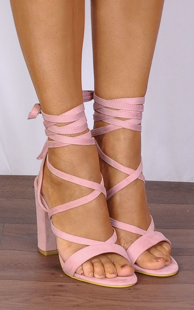 kadife topuklu ayakkabı 9