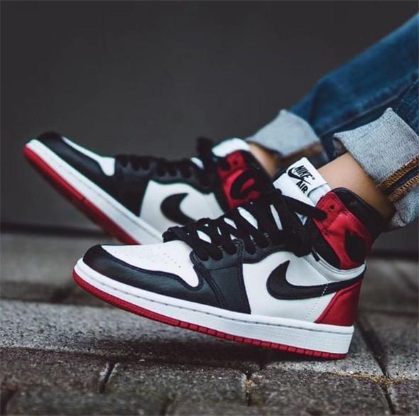 Air Jordan Spor Ayakkabısı Aşık olacak 1
