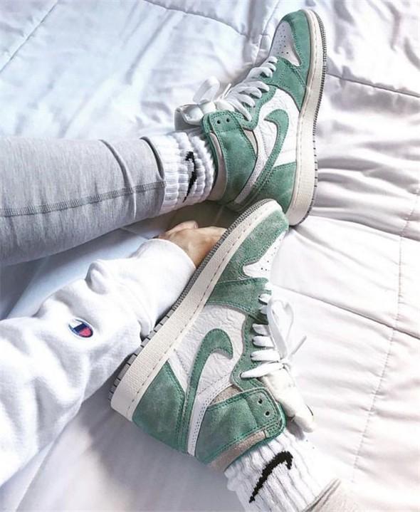 Air Jordan Spor Ayakkabısı Aşık olacak 17