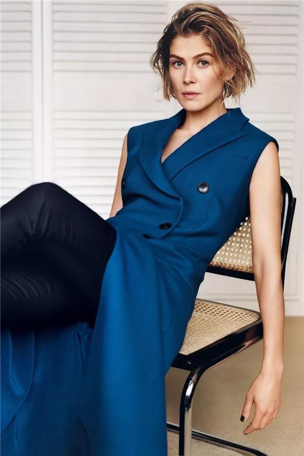 Günlük Giyim için 19 Klasik Mavi temalı kombin Fikirleri 8