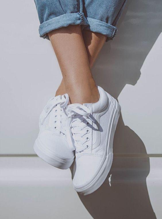 Her Durum için Rahat Beyaz Spor Ayakkabı modelleri 17