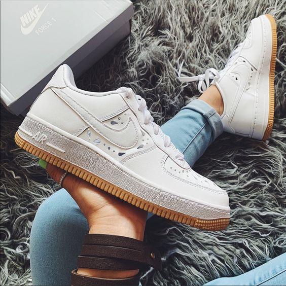 Her Durum için Rahat Beyaz Spor Ayakkabı modelleri 21