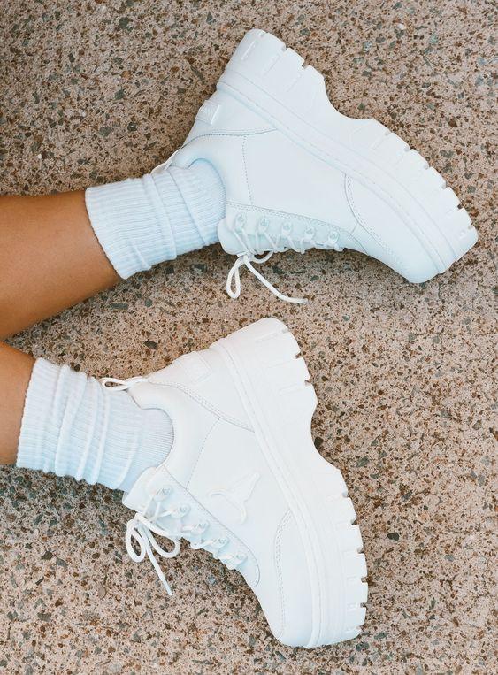 Her Durum için Rahat Beyaz Spor Ayakkabı modelleri 29
