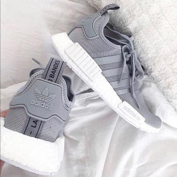 Kadınlar için 20 Trend Adidas Spor Ayakkabı 11