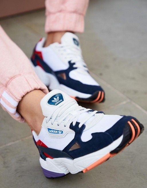 Kadınlar için 20 Trend Adidas Spor Ayakkabı 15