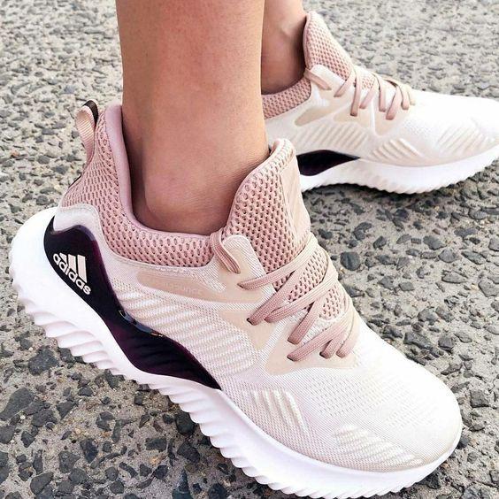 Kadınlar için 20 Trend Adidas Spor Ayakkabı 16