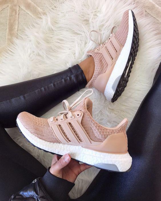 Kadınlar için 20 Trend Adidas Spor Ayakkabı 19