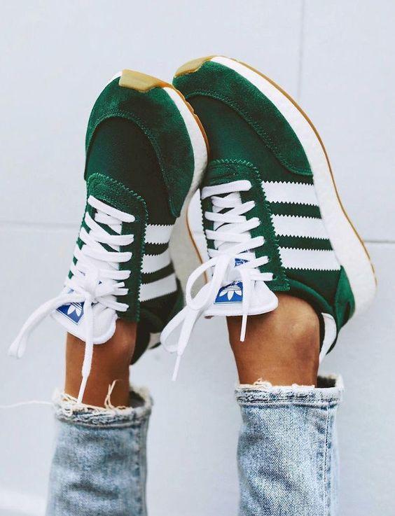 Kadınlar için 20 Trend Adidas Spor Ayakkabı 9