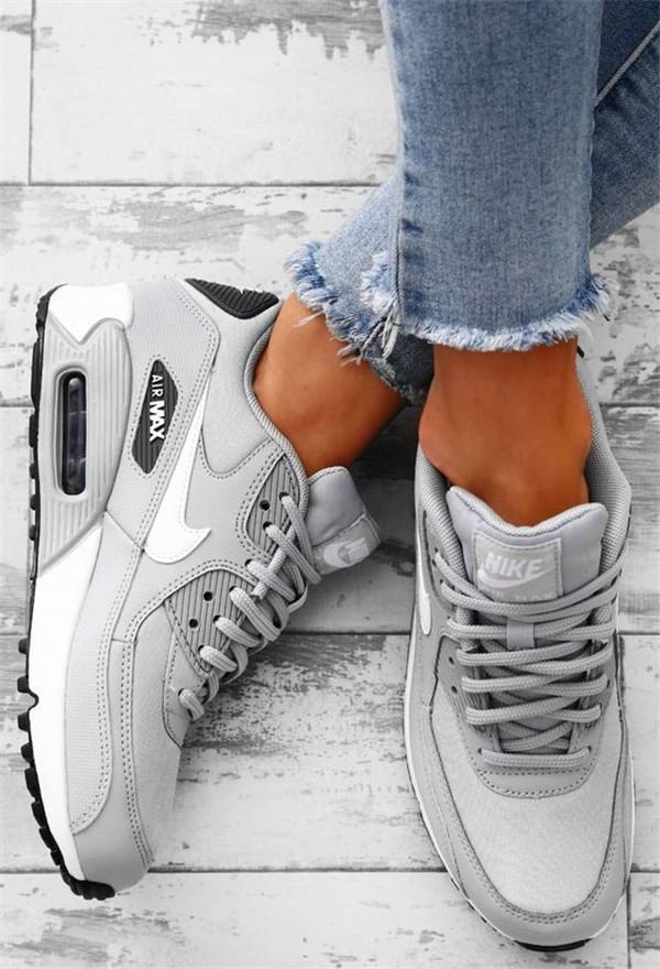 Konforlu ve Şık Nike Ayakkabı 1