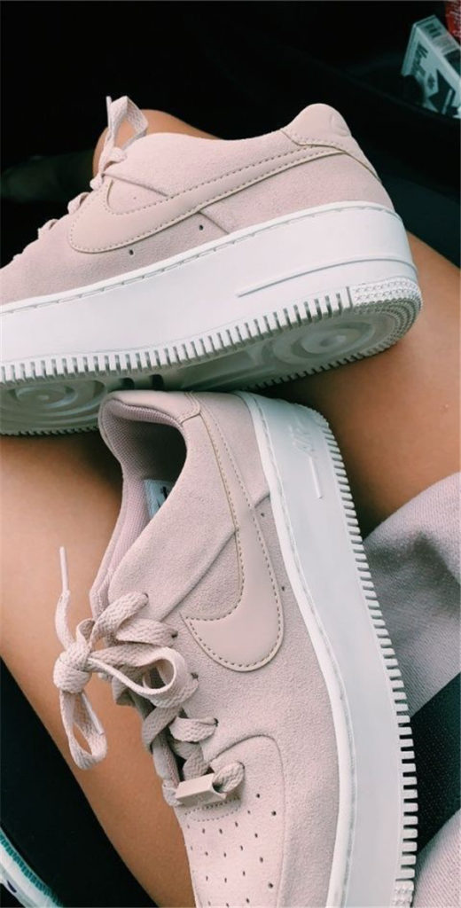 Konforlu ve Şık Nike Ayakkabı 13