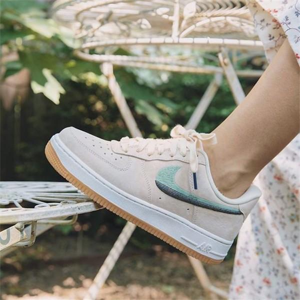 Konforlu ve Şık Nike Ayakkabı 15