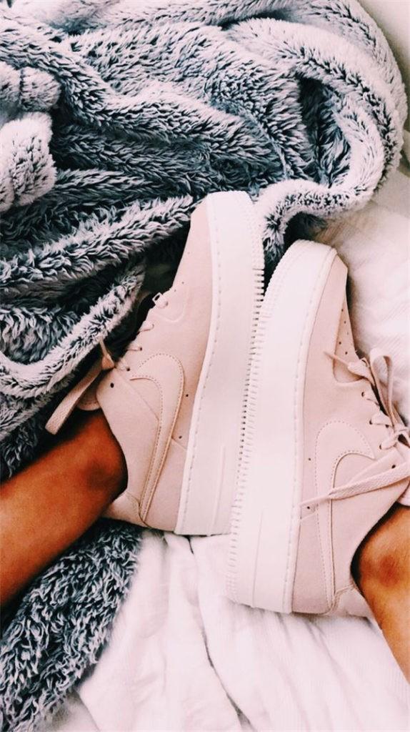 Konforlu ve Şık Nike Ayakkabı 20