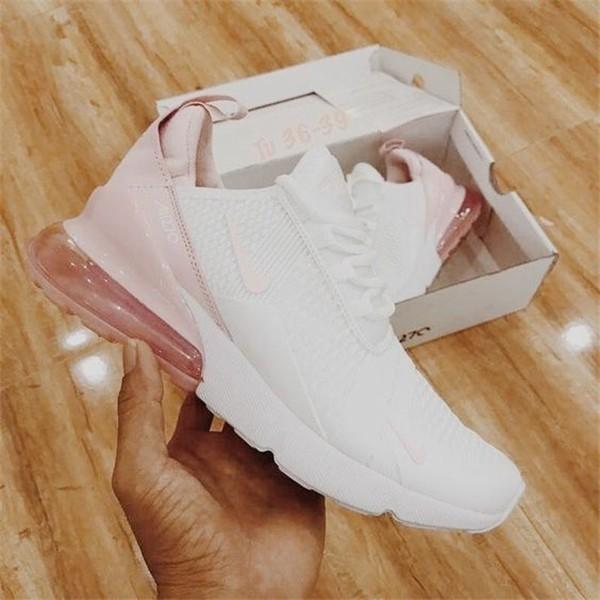 Konforlu ve Şık Nike Ayakkabı 21