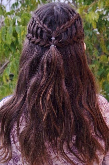 Okul için Sevimli ve Kolay Uzun Saç Modelleri 22
