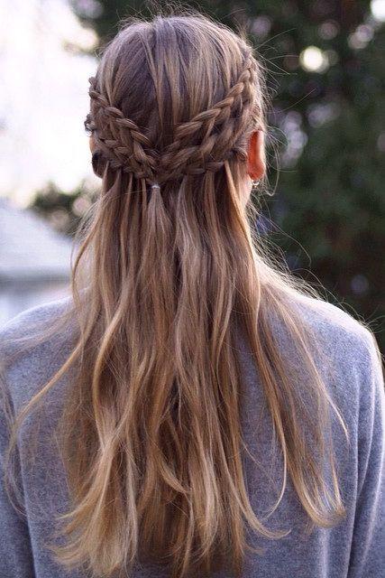 Okul için Sevimli ve Kolay Uzun Saç Modelleri 8