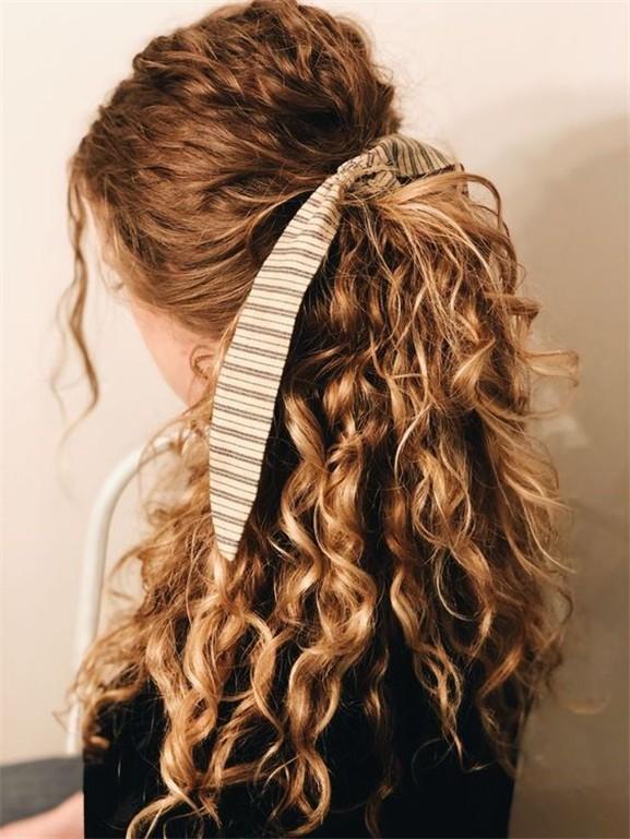 Saç Stilinizi aksesuarla Şekillendirmenin Etkileyici Yolları 10