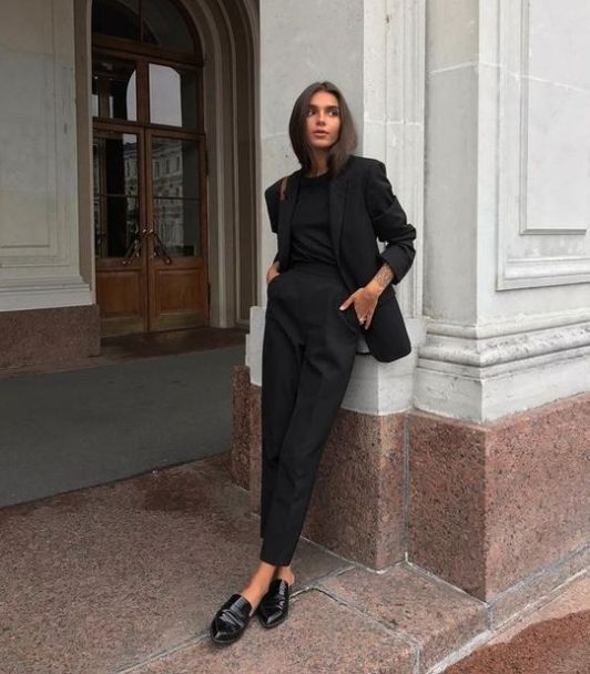Sahip Olmanız Gereken 25 Klas Siyah Kıyafetler 3