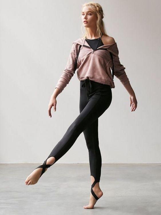 Spor yapmak İçin 24 Çarpıcı Yoga Giyimi 10