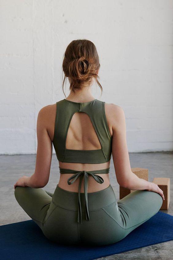 Spor yapmak İçin 24 Çarpıcı Yoga Giyimi 18