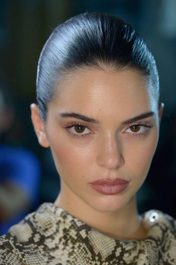 Yüzü İnce Gösteren Makyaj Modelleri 1