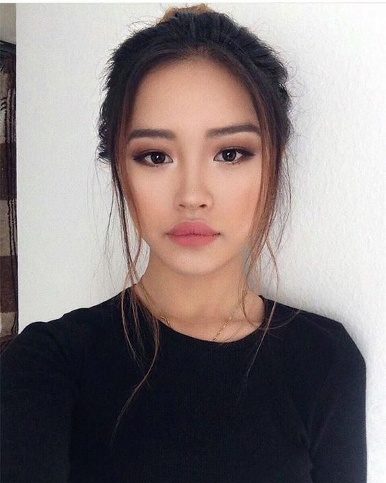 Yüzü İnce Gösteren Makyaj Modelleri 13