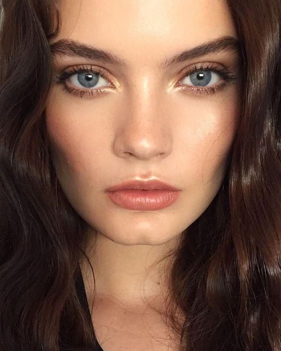 Yüzü İnce Gösteren Makyaj Modelleri 18