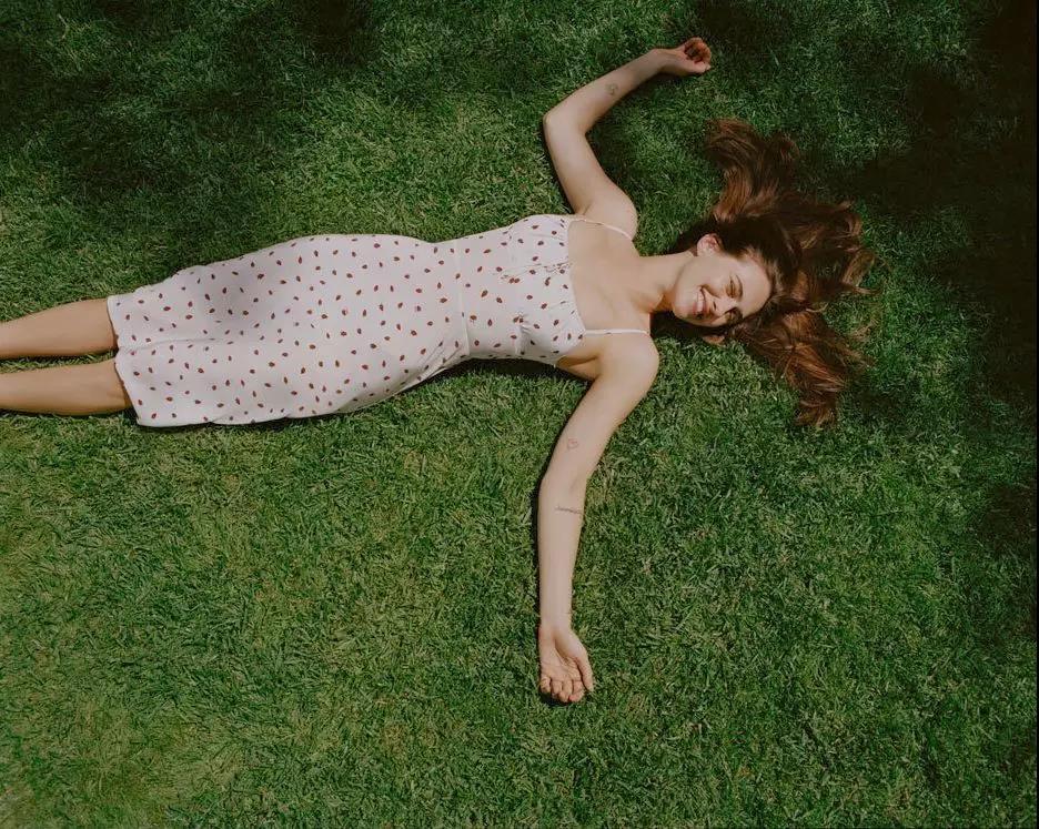 Yaz için Çiçek Baskı Elbiseleri modelleri 17