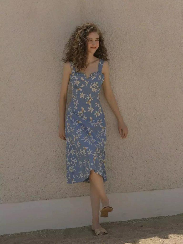 Yaz için Çiçek Baskı Elbiseleri modelleri 2
