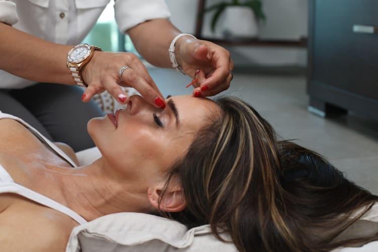 yüz akupunktur