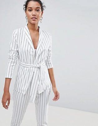 beyaz takım elbise 1